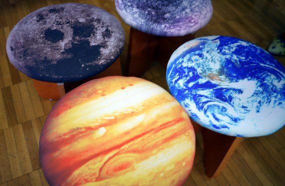自宅を宇宙に!?太陽系クッションケース&スツール