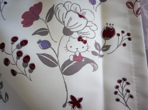 ハローキティの遮光カーテン