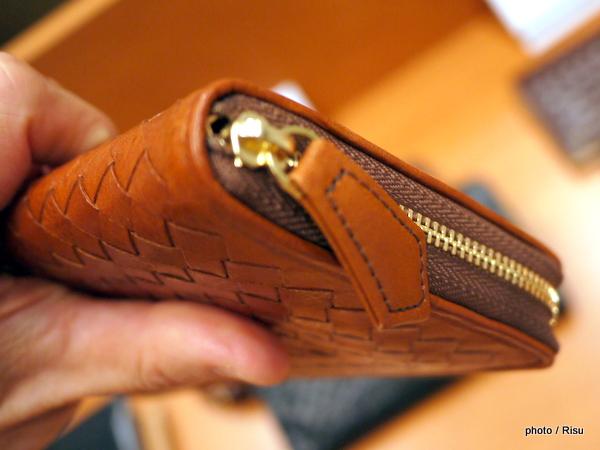 コマイスター「マットーネ」織り込み」長財布:オーバーザウォレット