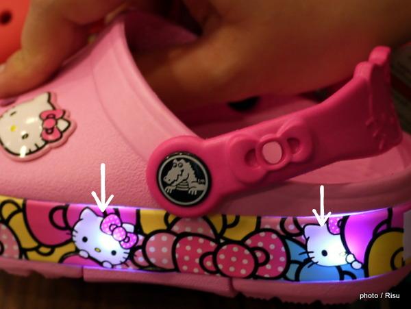 CROCS 歩く度LEDが光るクロッグ