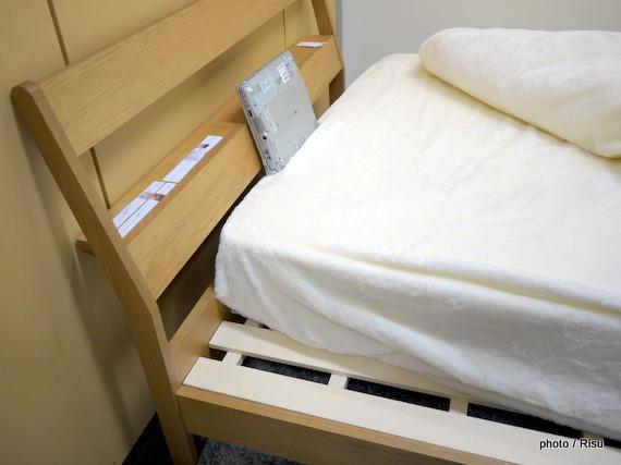 棚付きシンプルすのこベッド